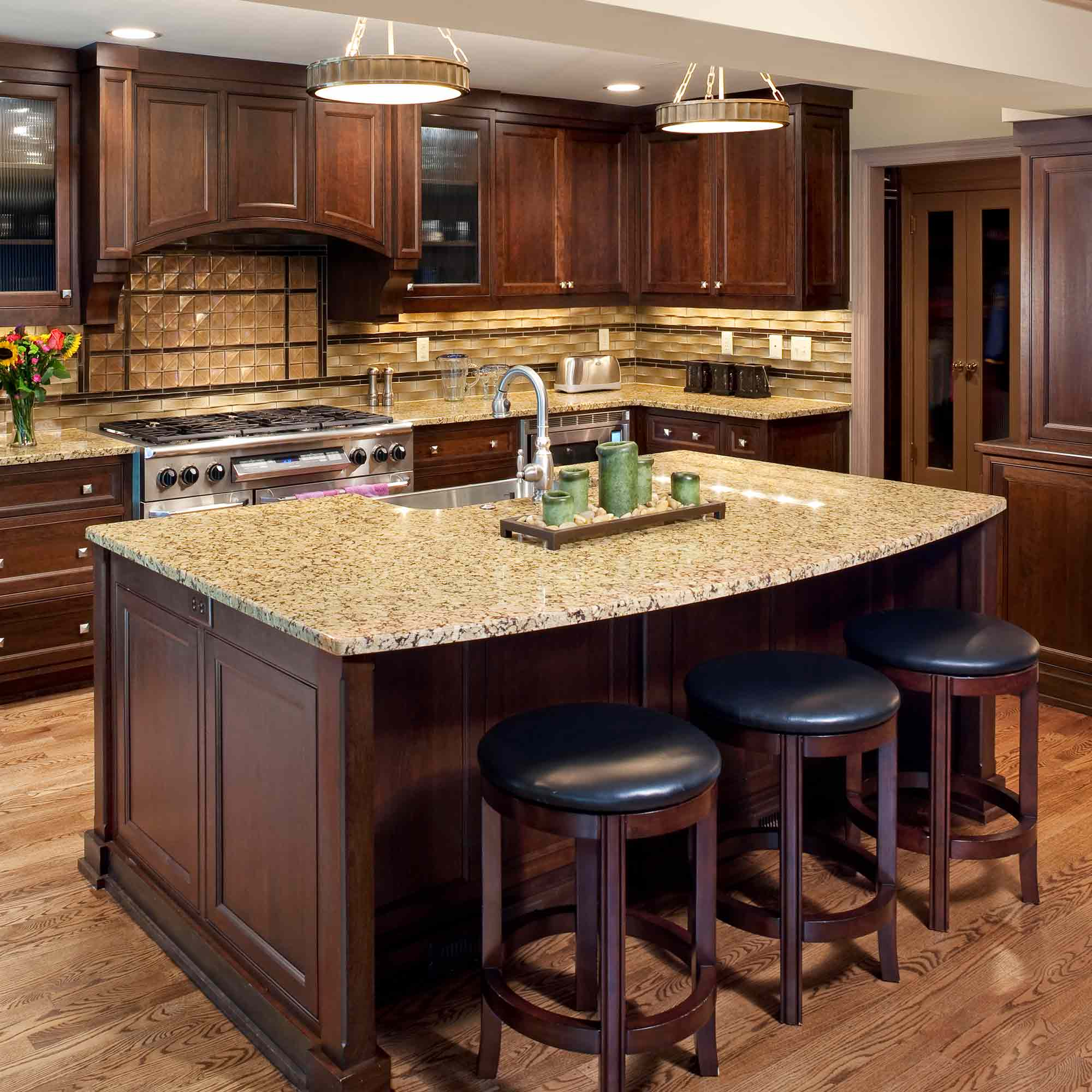 At Ruvin Bros. the customer is at the center of every project. Whether your project is large or small, our consistent, repeatable process allows us to understand your goals for both design and budget and maximize the value we can provide.